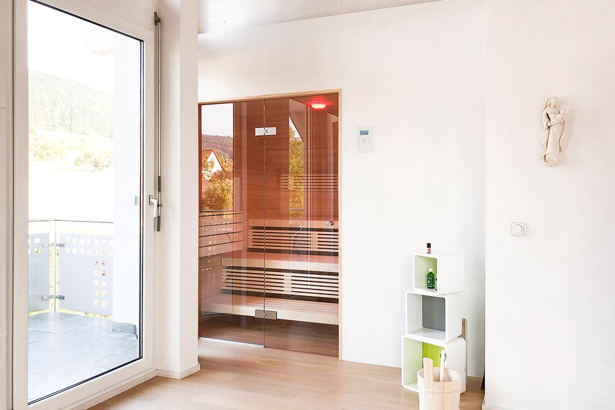 KOERNER Sauna mit Zugang zum Balkon