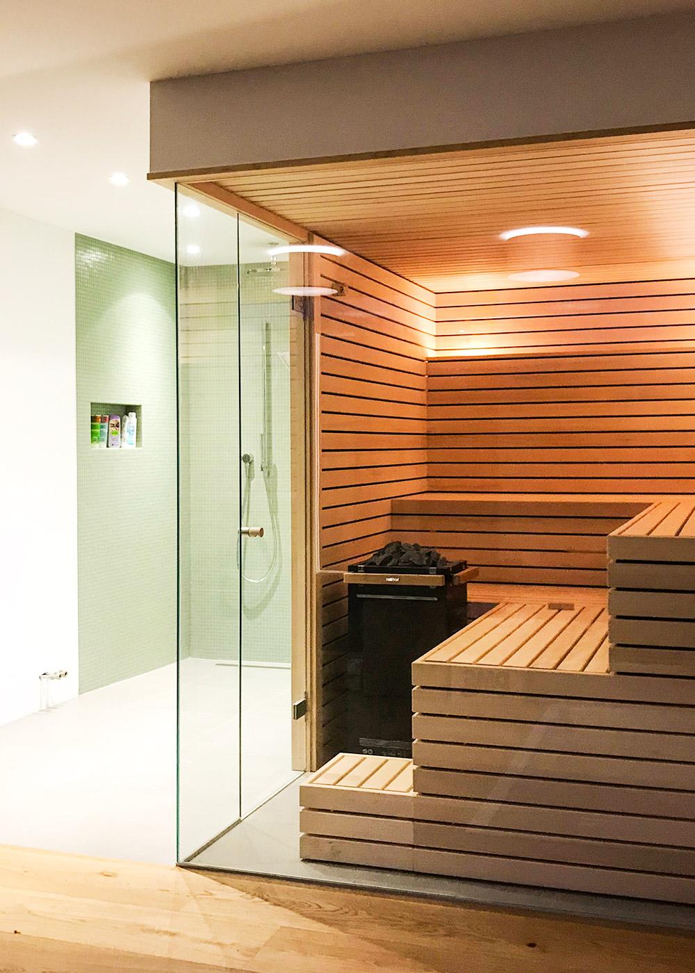 KOERNER Design-Sauna mit Eckverglasung