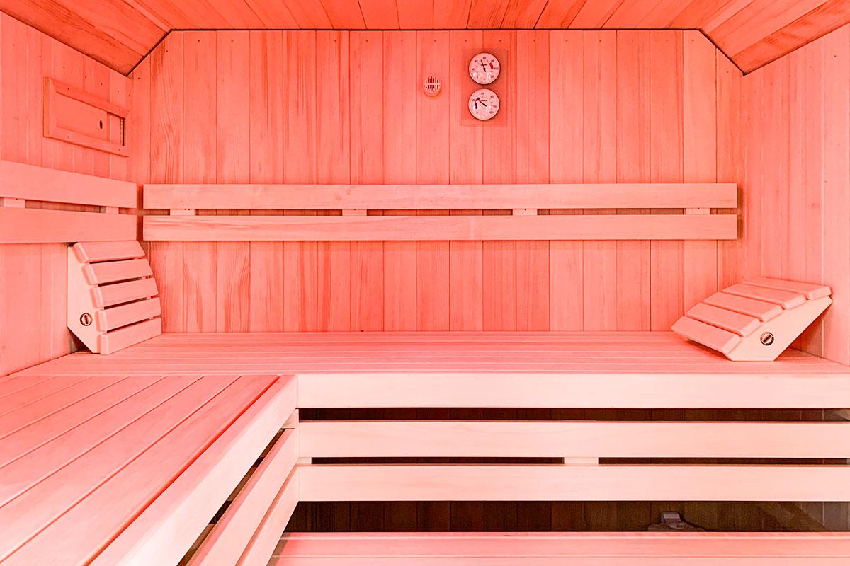 KOERNER Sauna nach Maß in Dachschräge