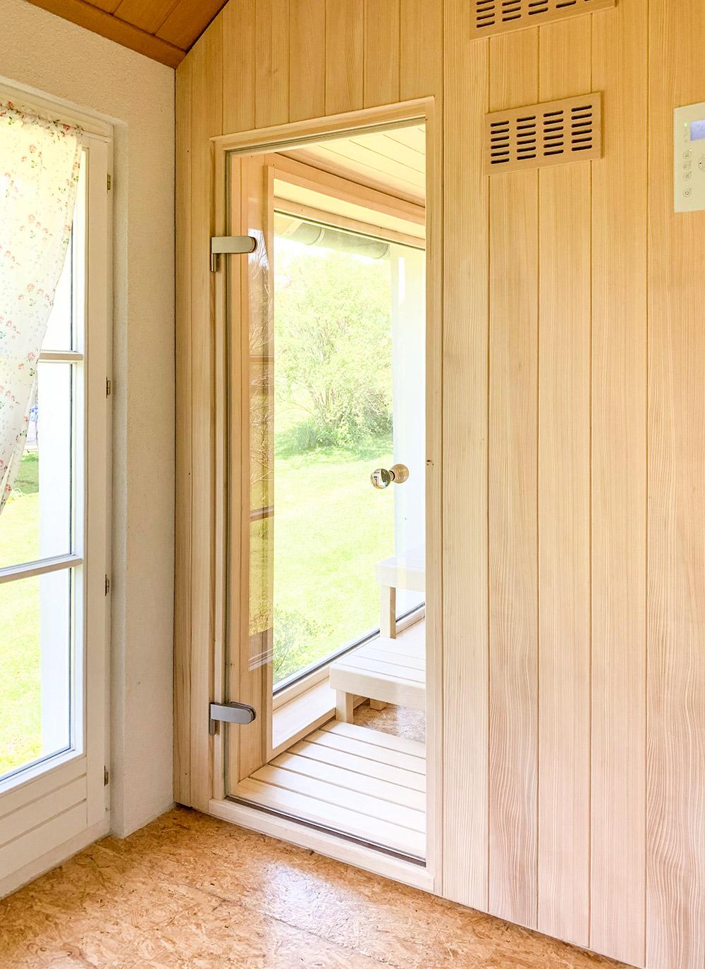 KOERNER Sauna mit Glastür