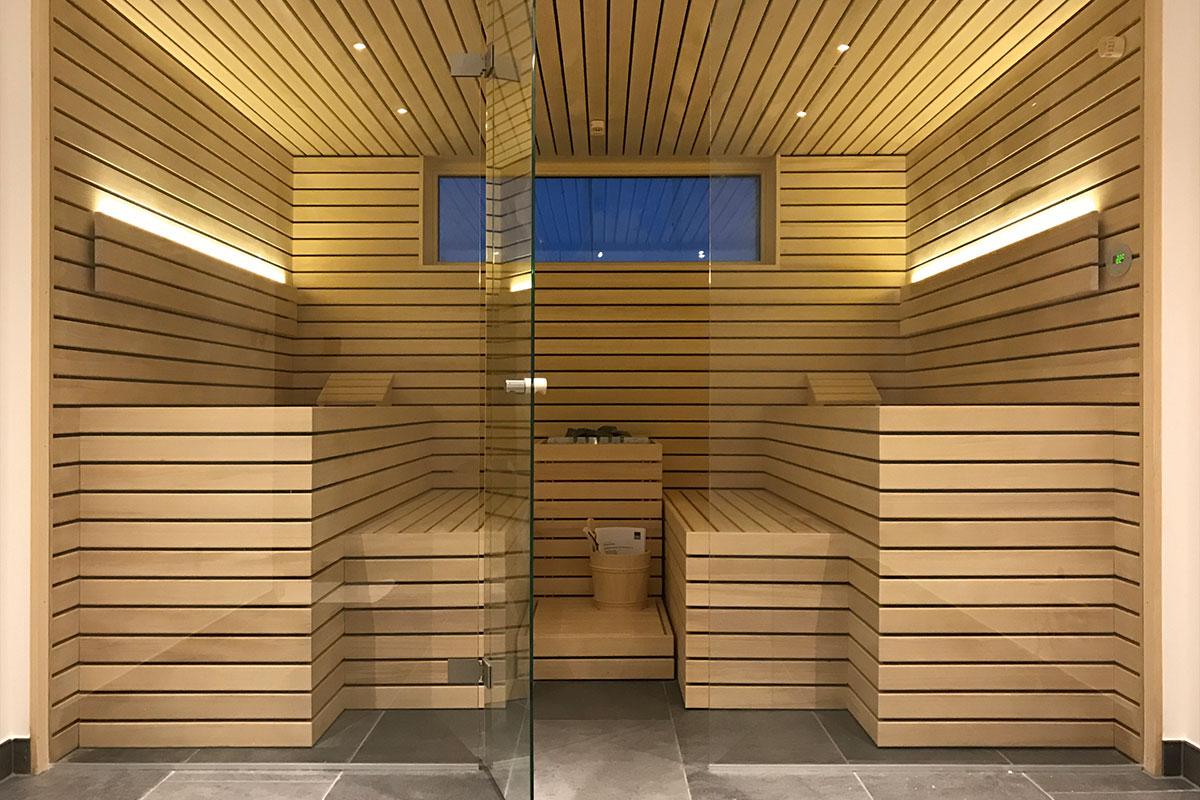 KOERNER Design-Sauna mit Glasfront