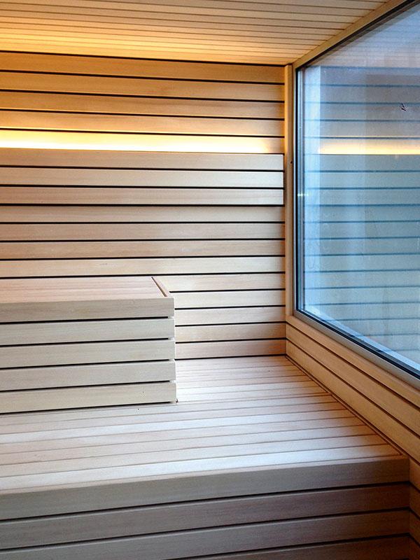 Sauna aus Weißtanne mit Fenster